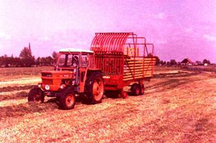Fiat_550_met_miedema_ladewagen.jpg